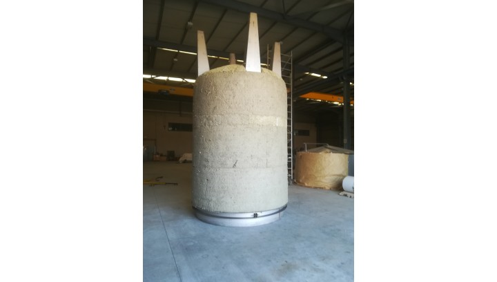 Industrial tank thermal insulation with application of ProRox WM 960